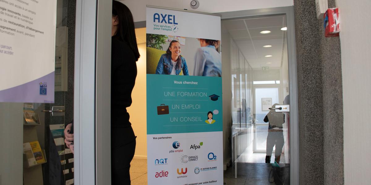 Le dispositif « Axel, retour à l'emploi » se présente comme une plateforme pour démarrer un parcours d'insertion ou reprendre le chemin vers l'emploi. Elle est destinée notamment aux personnes en situation de grand isolement.